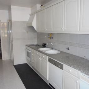 Cuisine appartement Bairro do Rosario - LGC Immobilier Sàrl